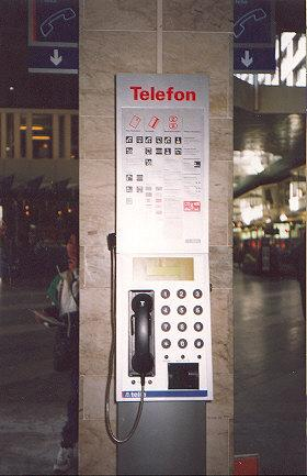 "The standard Swedish phone - takes credit cards and pre-paid smartcards.  90% of all phone here look like this.</BR>Sent in by: Thallion</BR><span class=""date-display-single"" property=""dc:date"" datatype=""xsd:dateTime"" content=""1996-07-25T00:00:00+00:00"">Jul 25, 1996</span>"